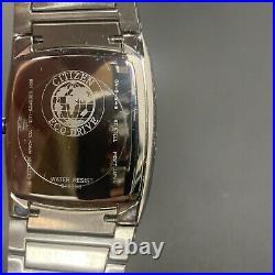 Citizen Eco-Drive E111-S049385 Men Silver Black Barrel Stainless Steel