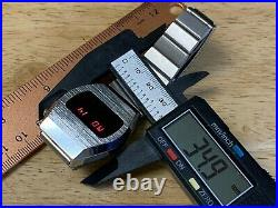 Collectible Vintage Microlux Mens Silver Barrel RED LED Digital Watch HoursDate